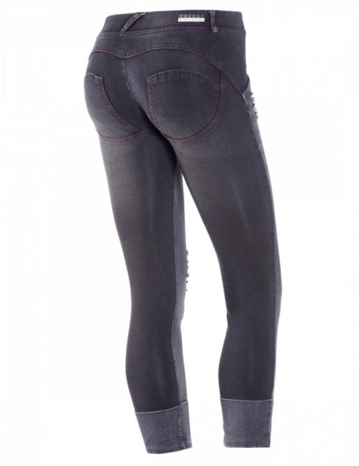 Freddy jeans potrhané Michiko Koshino v černé barvě, 7/8 střih